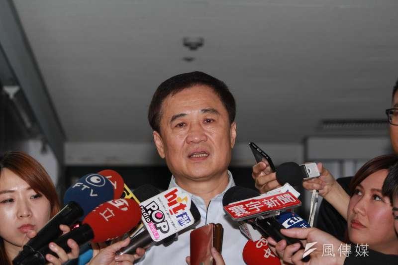 台北市副市長陳景峻傍晚發出聲明,表示未來將全盤確定後再跟大家說明,並未表明是否留下,也留給大家想像空間。方炳超攝)