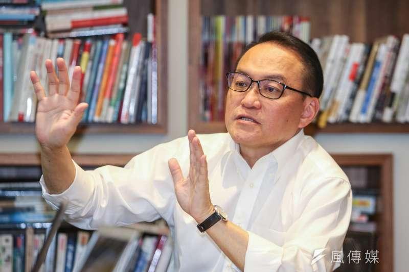 身為基督徒的台北市長參選人邱文祥表示,在聖經上不允許同性戀,但他在當醫生後改觀了,深信那是人類的常態。(陳明仁攝)