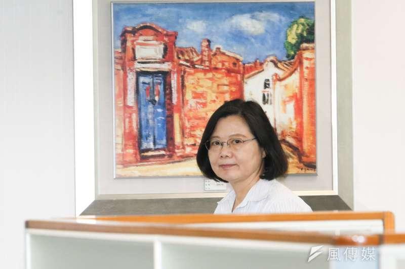 20180516-民進黨黨主席蔡英文出席主持民進黨中常會。(陳明仁攝)