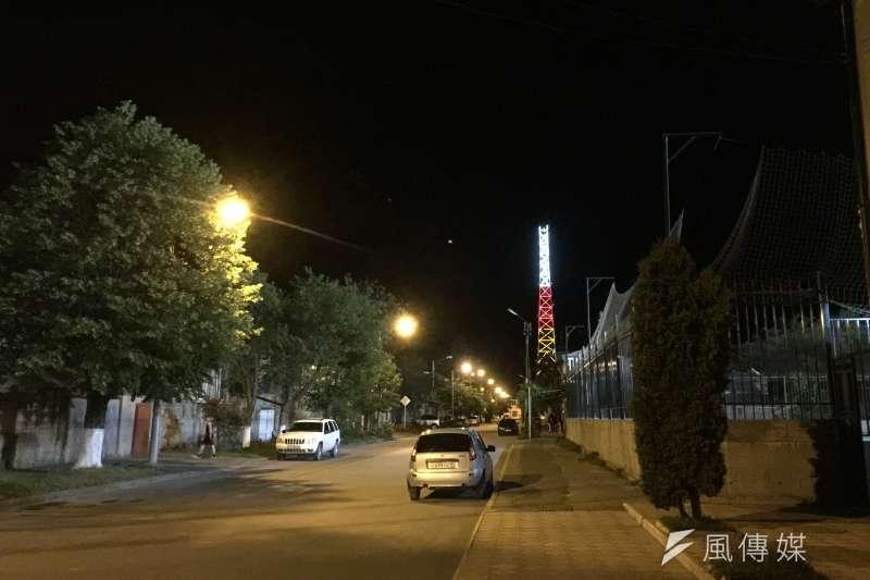 南奧塞梯亞首都茨辛瓦利街頭夜景(簡恒宇攝)