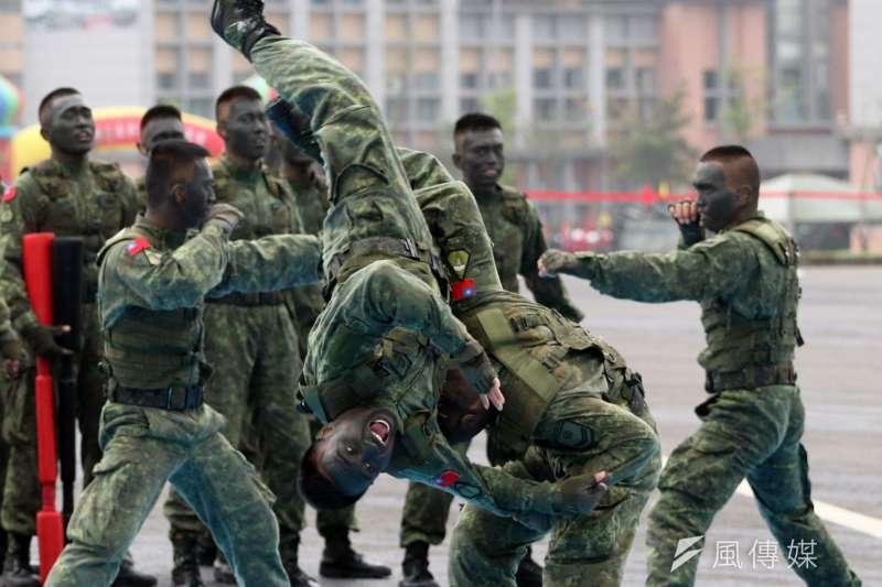 國防報表示,未來服4個月役的兵也要下部隊,比照82年次的役男。(資料照,蘇仲泓攝)