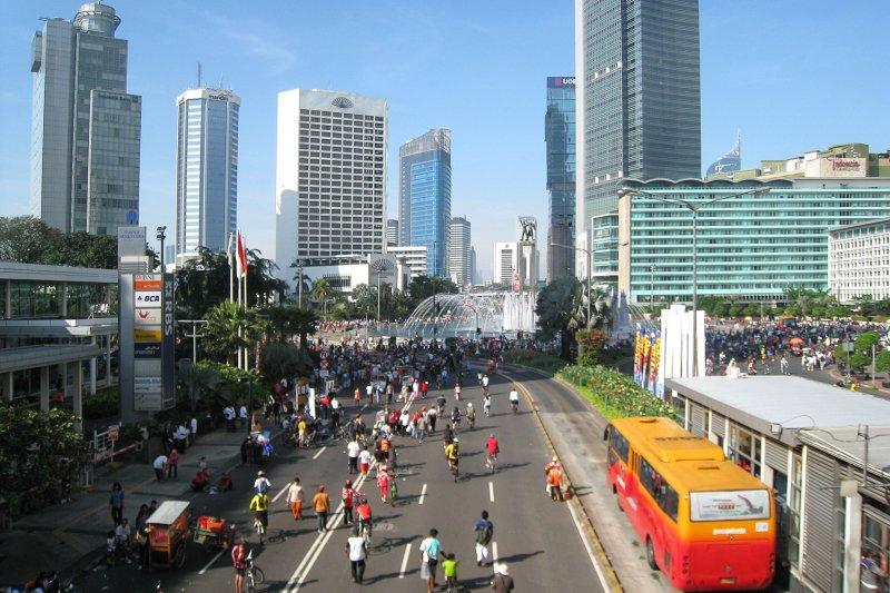 印尼首都雅加達塞車問題嚴重,但每月的最後一個星期天為「無車日」。 (圖取自維基百科)
