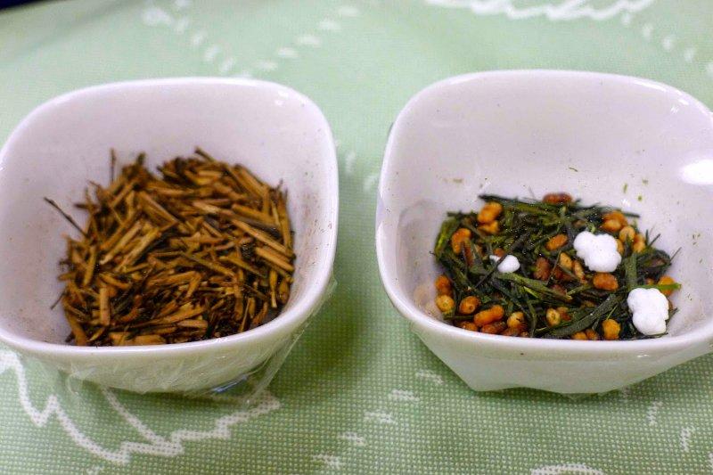 左為焙茶,右為玄米茶