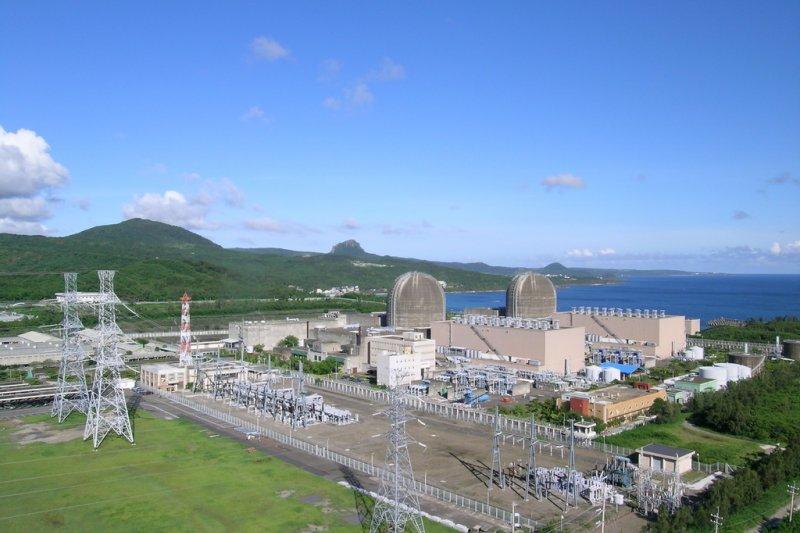 台灣電力公司提出核三1號機再轉後併聯申請,行政院原子能委員會到現場實際視察,確認安全無虞後,同意併聯申請,之後核三1號機就可對外發電,舒緩夏季用電緊繃問題。(資料照,取自台電網站)