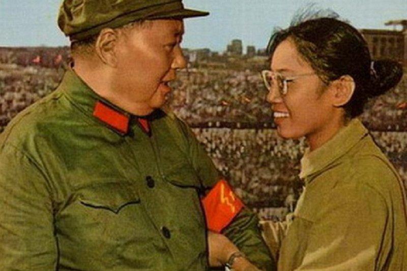 為毛澤東別上紅臂章的宋彬彬,當時她的名字應毛澤東改成「宋要武」。