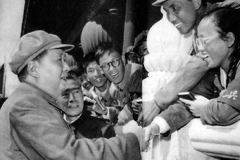 毛澤東接見紅衛兵。