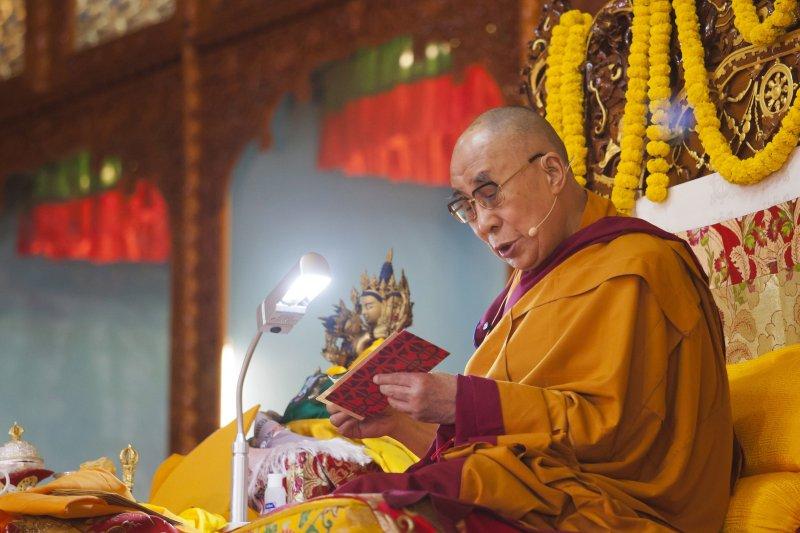 達賴喇嘛13日於印度弘法。(美聯社)