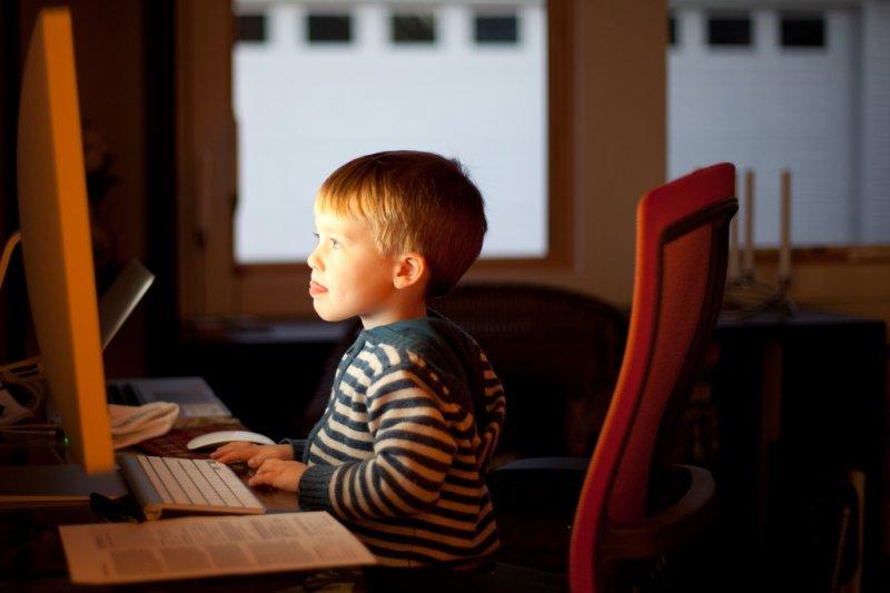 小學開始學習寫程式,他怎麼辦到的?(圖非當事人/LarsPlougmann@flickr)