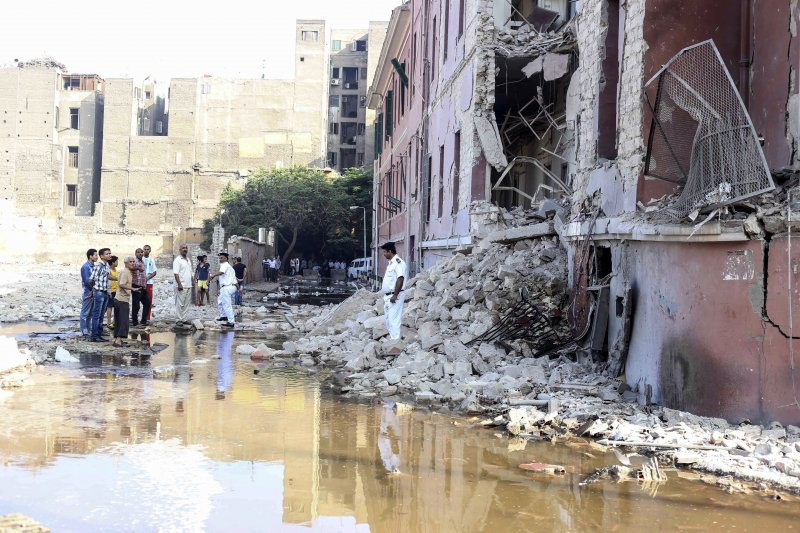 義大利駐開羅大使館遭到汽車炸彈攻擊。(美聯社)