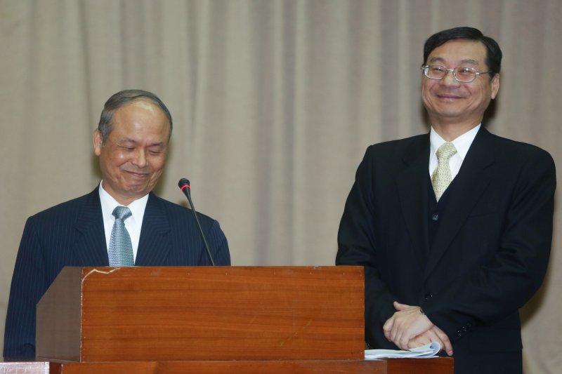 20141217-SMG0019-017-立法院,財政委員會,財政部長張盛和(左)與金管會主委曾銘宗-余志偉攝.jpg