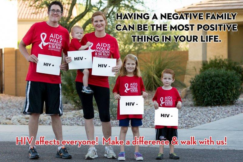 Andrew Pulsipher大方秀出全家福,並且告訴大家,他的家人都沒有得到HIV!(圖/取自Andrew Pulsipher臉書)