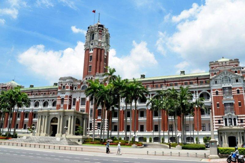 台灣總督府被視為日本殖民的威權象徵,但其實...(圖/wikimedia commons)
