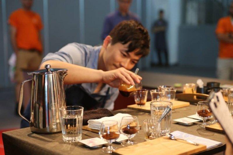 2014年WCE世界盃咖啡大師比賽,Berg以產區風味明顯的咖啡獲得評審好評。(圖/Berg&Chee提供)
