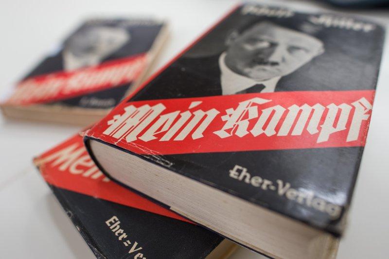 希特勒沉痛地寫道:「日耳曼人的前景黯淡」,「不論是現在的生存空間還是恢復一九一四年國界,都無法使我們過上與美國人一樣好的生活。」(資料照,美聯社)