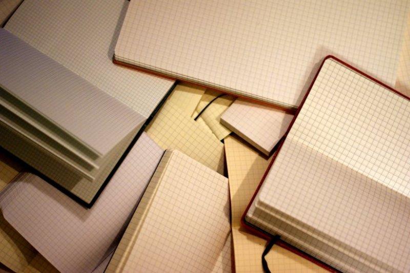 不會自動合上的方眼筆記,竟然是由兩位日本老爺爺發明。(圖/satomilogy@flickr)