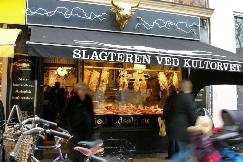 丹麥隨處可見豬肉舖(取自美聯社)