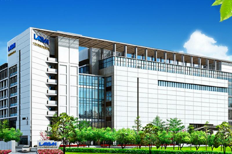 《日經新聞》15日公布「亞洲300強」企業實力排名,台灣股王大立光今年一口氣躍升榜首,另外還有其他8家台廠擠進前100名。圖為大立光台中廠外觀圖。(資料照,翻攝自大立光官網)