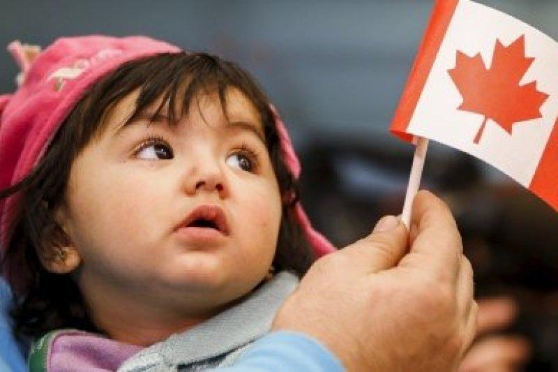 幸運到加拿大展開新生活的敘利亞難民兒童。(取自推特)