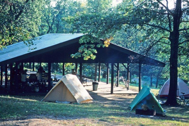 交通部觀光局4日首度擴大召開跨部會議,並盤點全台露營區,預計16日就會陸續公布合法、非法露營地供民眾參考。圖為示意圖。(資料照,Wisconsin Department of Natural Resources@flickr)