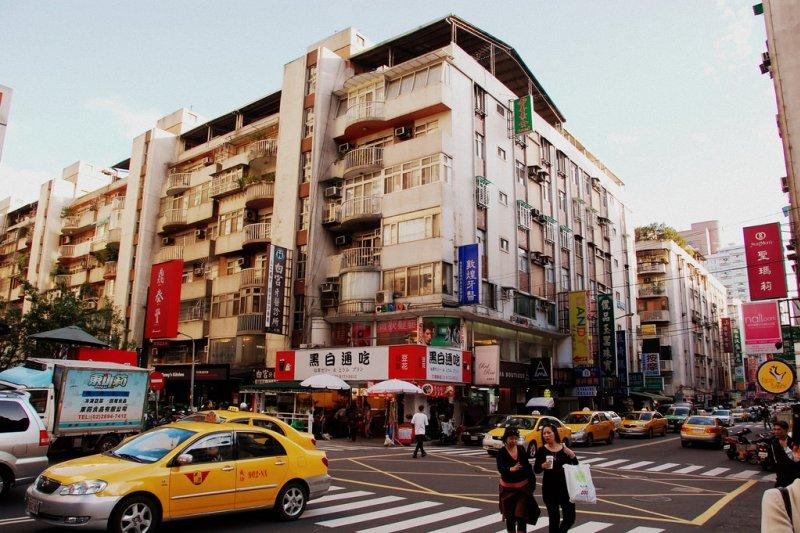 在地震中會倒塌的房子,多半伴隨著三種症狀...(圖/LWYang@flickr)