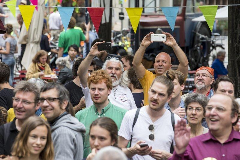 瑞士5日對是否發放「無條件基本收入」(UBI)進行全民公投(美聯社)