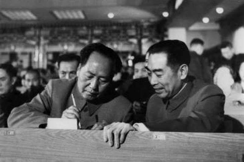 周恩來與毛澤東