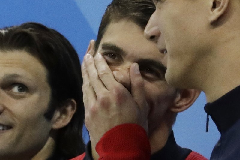 「飛魚」費爾普斯(Michael Phelps)13日在里約奧運男子400公尺混合式接力幫助美國隊封王,拿下個人本屆奧運第5面金牌、歷屆奧運第23面金牌。(AP)