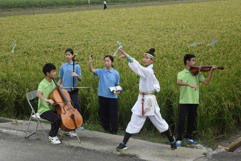 年仅十七岁的纪录片导演杨曜祯靠自己的力量,用纪录片保卫大自然与民众的健康,向世界发声。(图/青春共和国)