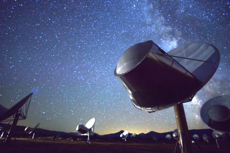 美國外星智慧搜尋機構(SETI)將持續搜尋俄羅斯發現的外星生命跡象。(翻攝Youtube)