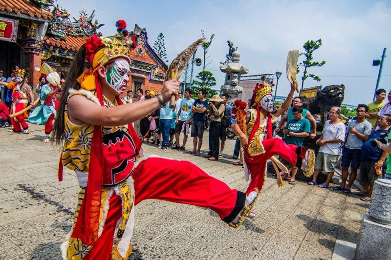 台灣人對自己的文化,到底了解多少?(圖為三重玄皇宮玄靈關聖帝君聖誕暨建宮30週年遶境/YiKuen Tsai@flickr)