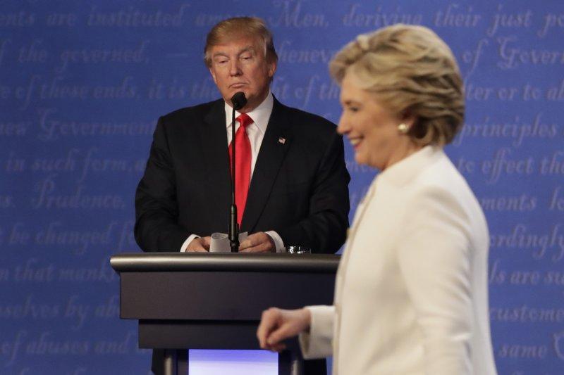 2016年美國總統大選,川普與希拉蕊激烈對戰(美聯社)