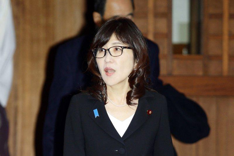 日本防衛相稻田朋美29日上午參拜東京靖國神社。這是稻田今年8月就任防衛相後的首次參拜。(AP)
