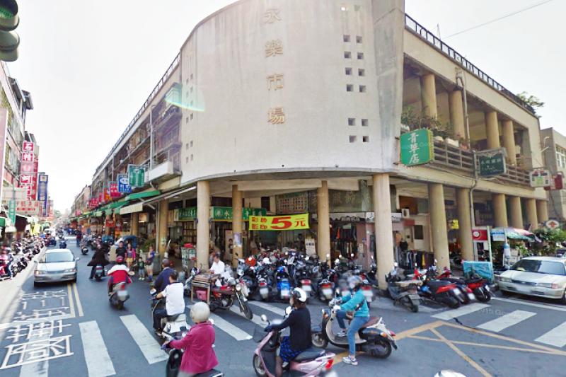 台南永樂市場是小吃天堂讓你從頭吃到尾。(翻攝自Google Map)
