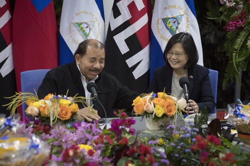 蔡英文總統與尼加拉瓜總統奧德嘉(José Daniel Ortega Saavedra)雙邊會晤。(總統府提供)
