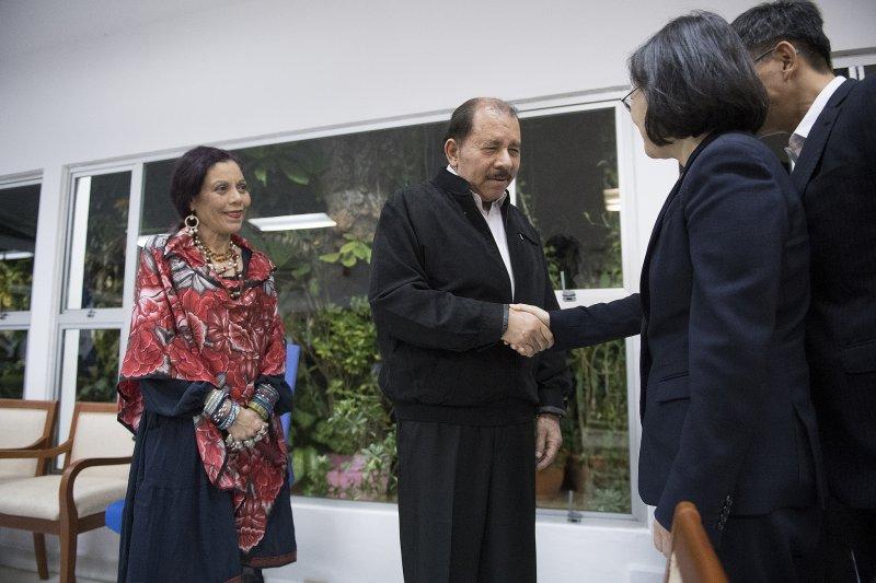 2017-01-11-蔡英文抵達尼加拉瓜-會見總統奧迪嘉(Daniel Ortega)伉儷-總統府提供