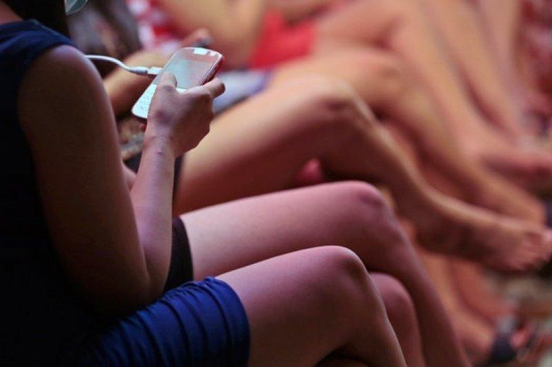 有錢人玩交換配偶,窮人下海賣淫,信仰和性愛的衝突在雅加達上演。(AP)