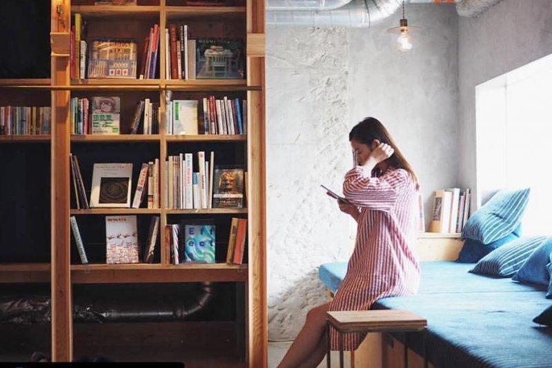 住進這房間,整個人都氣質起來啦!東京必訪文青膠囊旅館,3200本好書相伴入夢-風傳媒