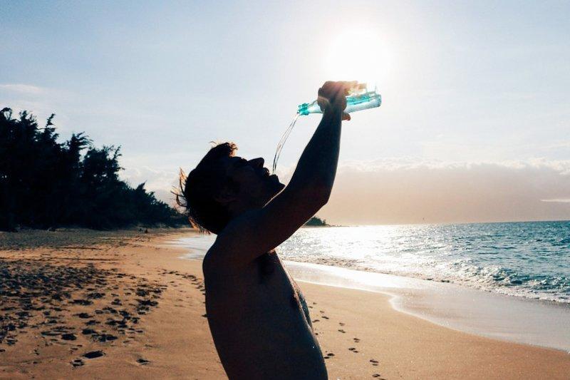 「鹼性水」真的能調節酸性體質嗎?(圖/Pixabay)