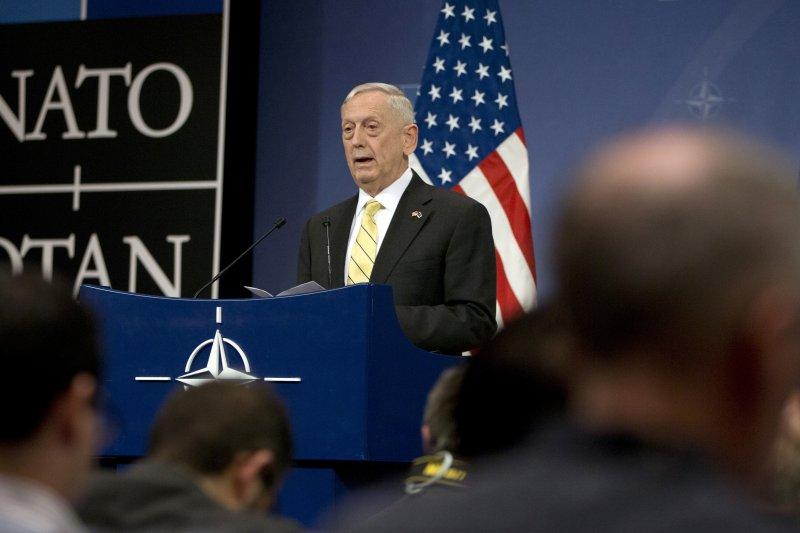 美國國防部長馬提斯16日在北約總部發表演說。(美聯社)