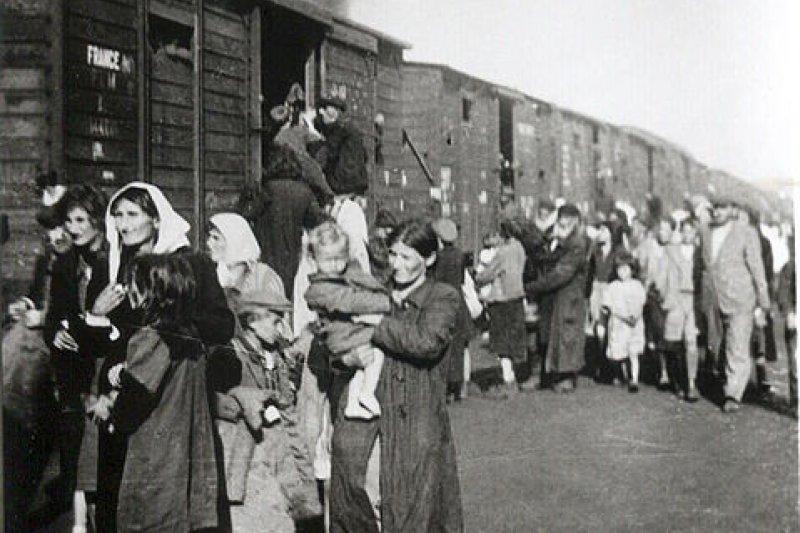 把猶太人送往集中營的「死亡列車」(翻攝Wikipedia)