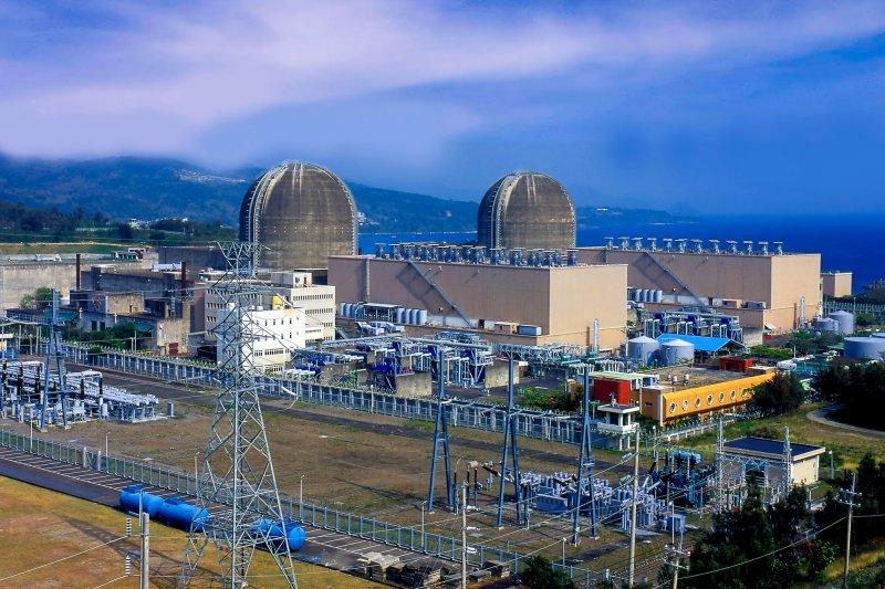 朱文成今天表示,缺電主要是受天氣轉熱、部分機組正進行維修、民間開工率高所致。圖為台電第三核能發電廠。(資料照,台電提供)