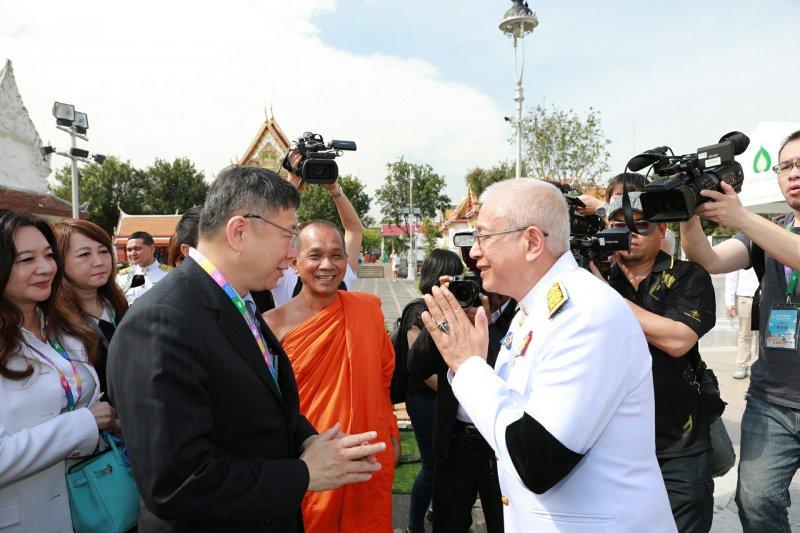 台北市長柯文哲參訪泰國,卻不料失言說出「香港很無聊,一個小島有什麼好看的」。(台北市政府提供)
