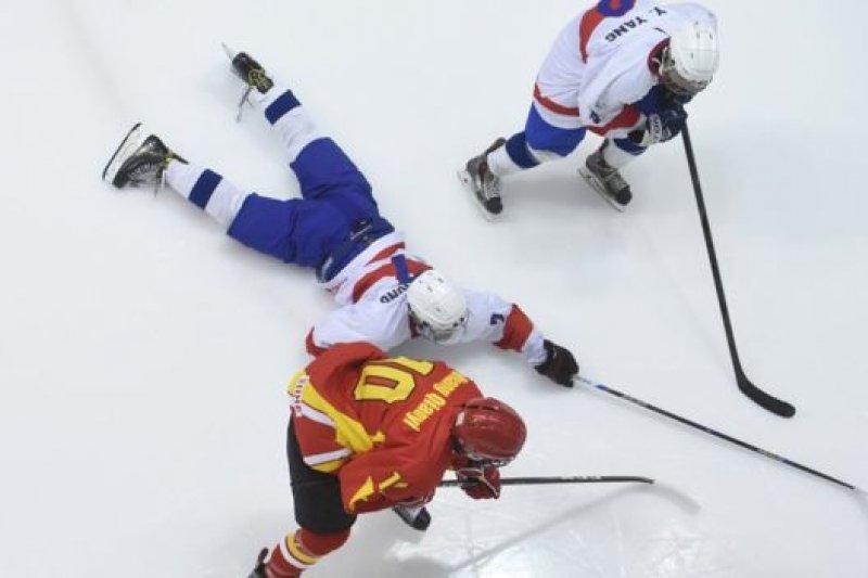3月24日,在台北市小巨蛋體育館舉行的「2017 IIHF U18世界冰球錦標賽」,新華社社稱中國勝「中國台北」。(BBC中文網)