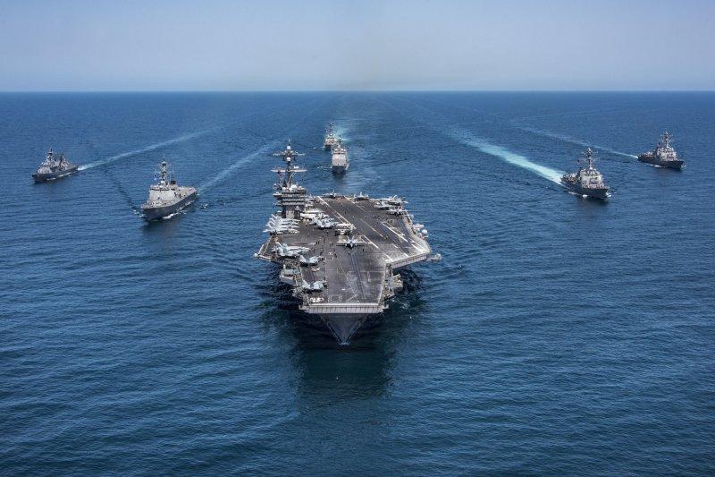 2017年5月3日,美軍卡爾文森號(USS Carl Vinson)航空母艦、第一航母打擊群巡弋西太平洋(AP)