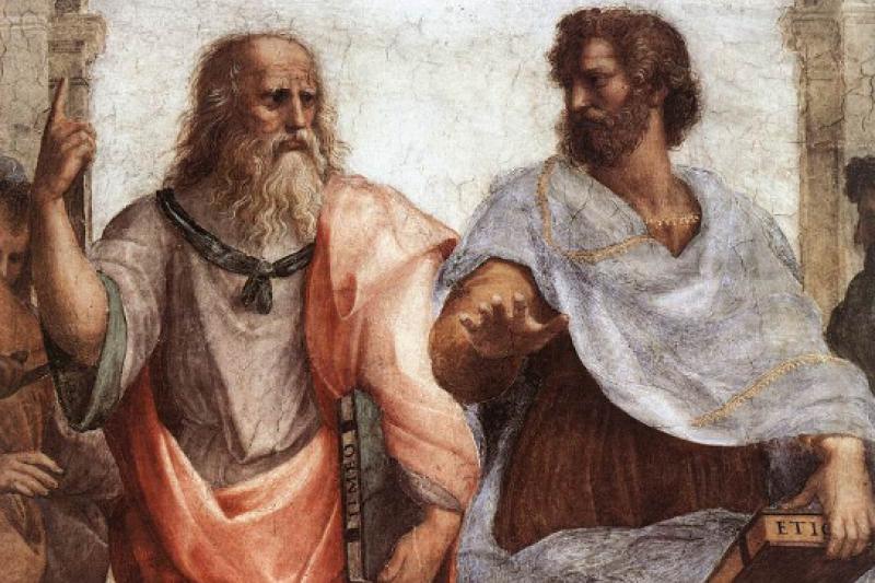 文藝復興時期之後,亞里斯多德(右)的形象就像拉斐爾的「雅典學院」畫中所描繪的,是位與柏拉圖(左)並列而毫不遜色的偉大學者。(取自維基百科)