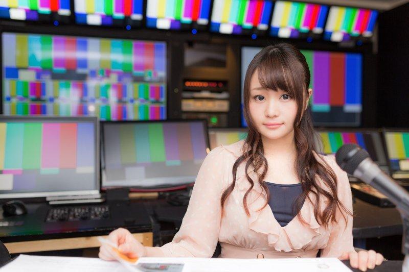 目前電視上呈現的躁鬱症狀在鈍化觀眾的視、聽的感性,公器不應成公害。(圖/Pakutaso)