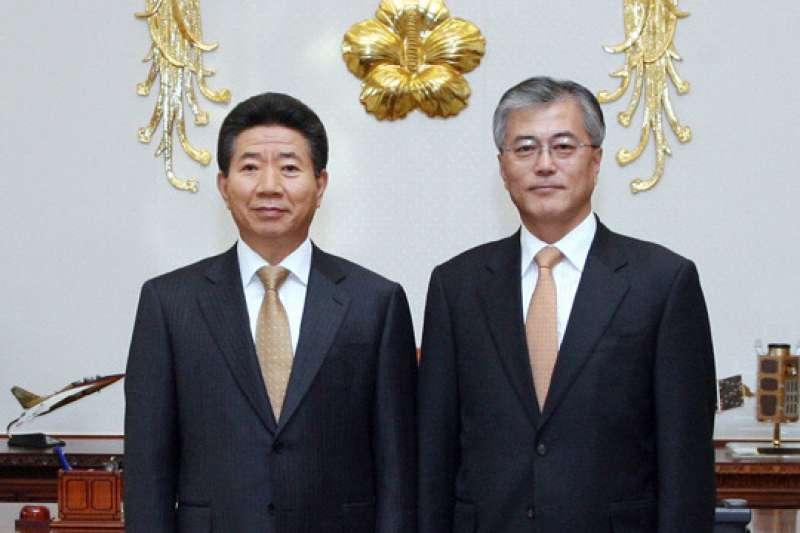 文在寅與盧武鉉從法界到政界都一路相互扶持。
