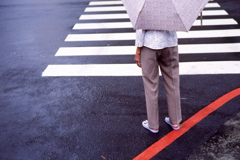 老年人則通常以身體不適取代情緒低落,很容易被誤認為是老化現象...(圖/Lordcolus@flickr)