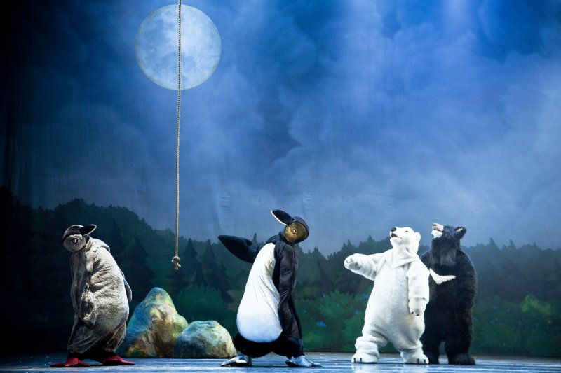 總編導李永豐表示,源源不絕的創作是劇團能持續運作的一大關鍵,唯有如此才能創造舞台,吸引新演員加入,相互激盪產生更多火花。(紙風車劇團提供)