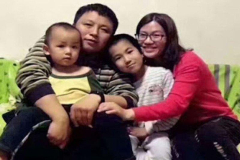 北京維權律師陳建剛一家。(美國之音)